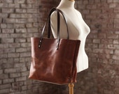 The Scout Classic Leather Tote - Cafe