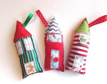 Christmas Stuffed Pillow Cute Xmas House Holiday Elf Ornament Xmas Hanging Decor Fabric Shaped House Christmas Decorative Whimsical Houses