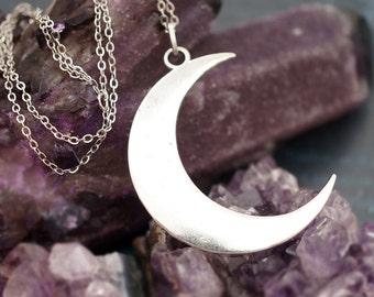 Vintage Silver Crescent Moon, Celestial Moon, Simple & Chic, Moonchild Boho Necklace