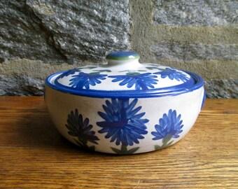 Vintage Louisville Stoneware Blue Flower Casserole