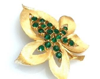 JJ Leaf Brooch, Emerald Green Rhinestones, Gold Tone, JJ Figural