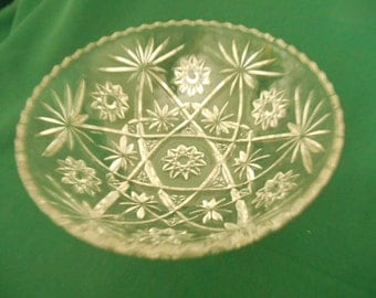 Anchor Hocking Early American Prescut (EAPC) Crystal 10.25 inch Salad Bowl. Made in USA