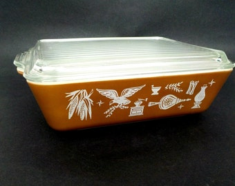 Pyrex Refrigerator Dish with Lid,  Early American, Brown Pyrex Dish, Pyrex Refrigerator Storage, Ribbed, 1 1/2 Qt Excellent Condition