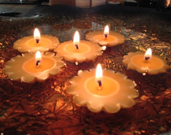 Natural floating candles