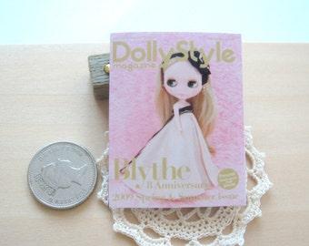 blythe doll magazine 1/6 playscale not lifesize dollhouse  miniature for fashion dolls X 1