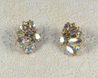Aurora Borealis Iridescent Rhinestone Earrings // Vintage // Elegant // Dramatic // Dazzling // Splendid // Exquisite