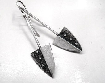 Arrow silver dangle earrings. Oxidized with Satine Matte finish.