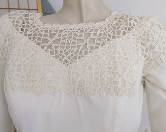 Knotted Lace-top Wedding Gown with Pearls and Train