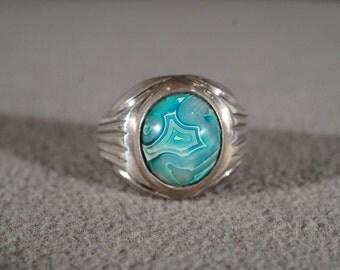 Vintage Sterling Silver Large Oval Domed Striated Blue Green Agate Etched Unisex Design Bold Band Ring, Size 9       **RL