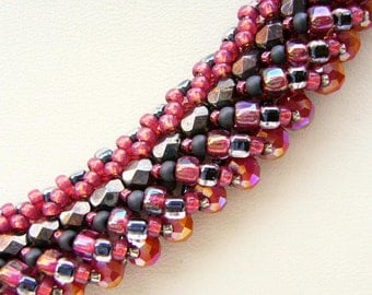 Pearl Necklace glass beads black red