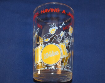 "ARCHIE GLASS Jelly Jar Glass ""The Archies Having a Jam Session"" 1971 Welch's"
