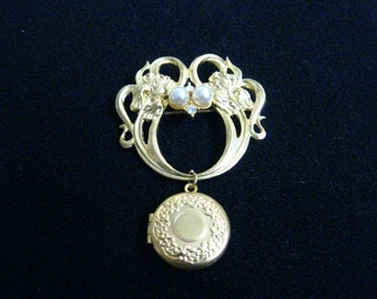 """Shop """"gold locket"""" in Brooches"""