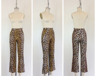 50s Leopard Print Cotton Cigarette Pants / 1960s Vintage High Waisted Skinny Pants / XS / 24 inch waist