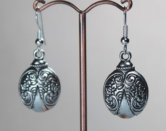 Elegant Bug-Design Earrings