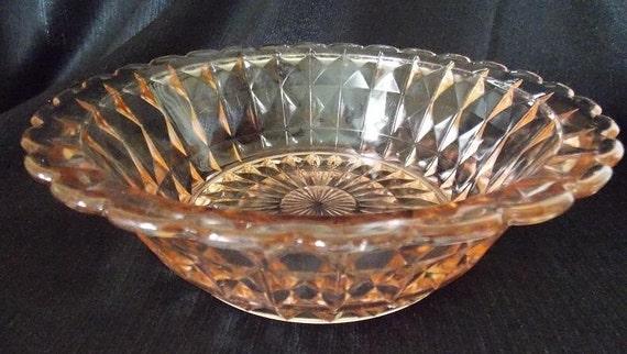 Vintage jeannette glass pink depression serving bowl