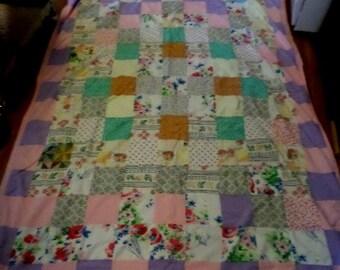 Handmade Quilt, Patchwork Quilt, Vintage Quilts, Vintage Bedding, Single Quilt, Crazy Quilt, Vintage Quilt, Vintage Blankets, Estate Quilts