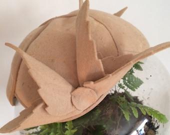 60s wool beret tan Peter Pan leaves