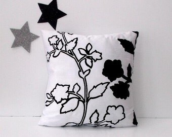 White Black Pillow Cover, Floral 18x18 Accent Throw Pillow, Decorative Sofa Cushion Cover, Bedroom Pillow Sham, Couch Cushion Cover