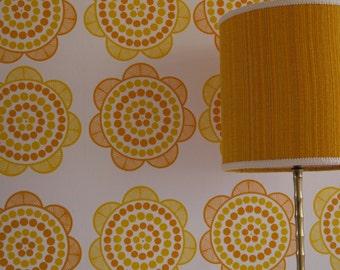 Retro daisy wallpaper