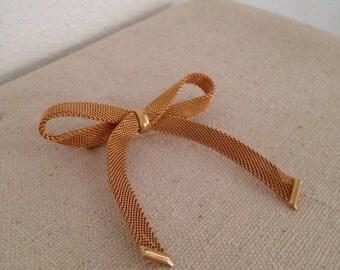 Ribbon Brooch Gold