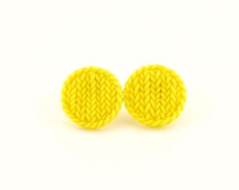 Little beige round earrings - knit imitation earrings - beige earring studs - polymer clay tiny beige circles