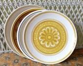 Retro Dinner Plates, Mismatched Retro Plates, Vintage Dinner plates,Mismatched Dinner Plates,Retro Dishes,Vintage Dishes, Yellow Retro Plate