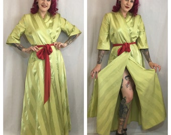 Vintage 1940's Lime Green Dressing Robe