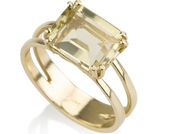 Yellow citrine stone ring,  a ring with elegance an chick, Crown Collection