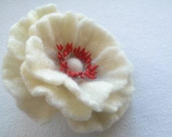 White flower brooch, White Felted Flower Brooch, Hair Pins, Flower,Birthday Gift, Unique, Wool Felt Jewelry, handmade felt brooch pin