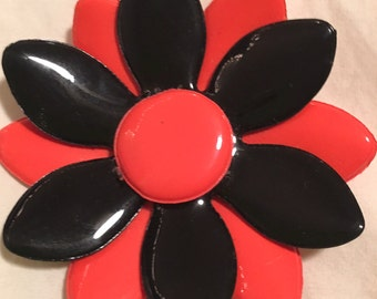 Vintage 60s Flower brooches pins, various colors