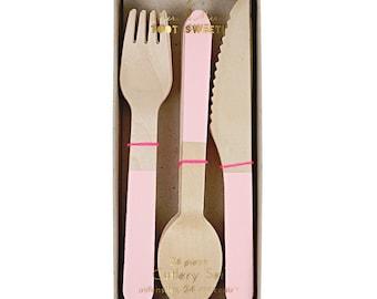Wooden Cutlery Set (24 Pack) -  LIGHT PINK