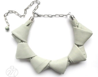 Leather necklace pale pistachio LOOPed