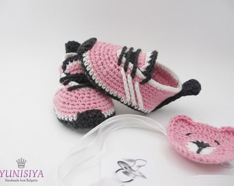 Crochet baby shoes Baby girl shoes Pink baby sneakers Baby shower gift Newborn Baby shoes