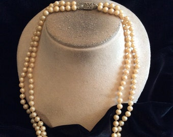 Vintage Floral Clasped Double Stranded Off White Glass Faux Pearl Necklace