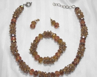 Stunning Vintage Crystal Jewelry Lot.   3 pc Set. Topaz w/ lampwork roses inside beads. Parure. Some call this amber colored also. #113