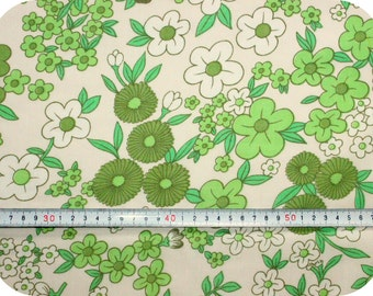 Floral retro vintage fabric - green and white
