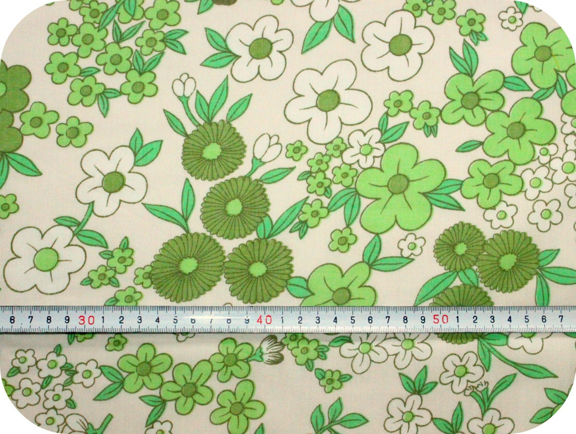 Floral retro vintage fabric green and white for Retro fabric
