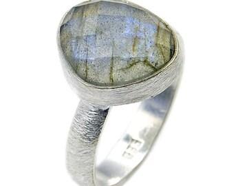 Labradorite & .925 Sterling Silver Ring Size 7 3/4 , AD208