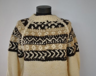 Vintage HANDMADE HAND KNIT pure wool women pullover.....(044)
