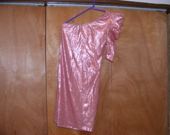 Voxx new york sleaveless dress size small salmon color.