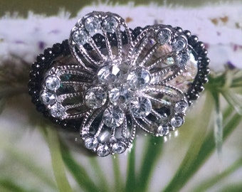 Mother of Pearl Crystal Floral Hair Jewelry