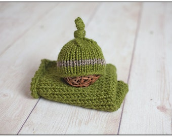 Mini Blanket and Bonnet Set Photography Prop