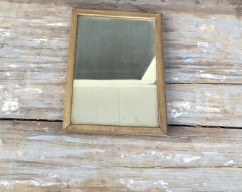 Framed mirror and print, antique print