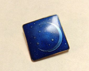 Pin Pendant Brooch Celestial Moon and Stars Enamel Isle of Skye Collectible