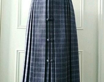 CLEARANCE tartan print skirt mid length skirt pleated skirt 1970's vintage skirt ladies skirt grey size 18