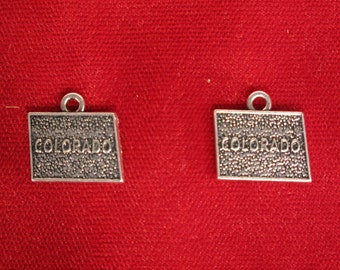 "BULK! 15pc ""Colorado"" charms in antique silver (BC888B)"