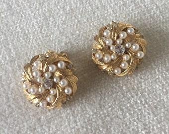 Faux pearl clip on earrings