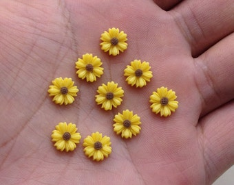 100pcs 10mm Flower Cabochons Resin Flowers yellow color resin Sunflower charms
