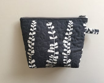 Zippered Pouch/Quilted Cosmetic bag