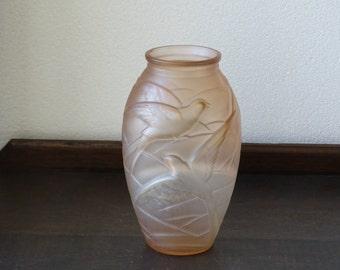 Pink and White Art Deco Souchon-Neuvesel Vase (1920s-1930s)